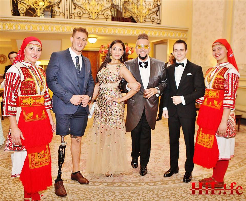 Организаторът лорд Евгени Минчев с приятеля си Мистър Англия 2017 и с наследницата на Хаят